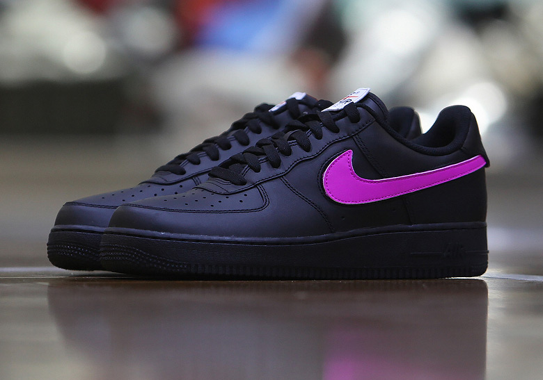FIRST KICK : NIKE AIR FORCE 1 VELCRO SWOOSH ALL STAR – First