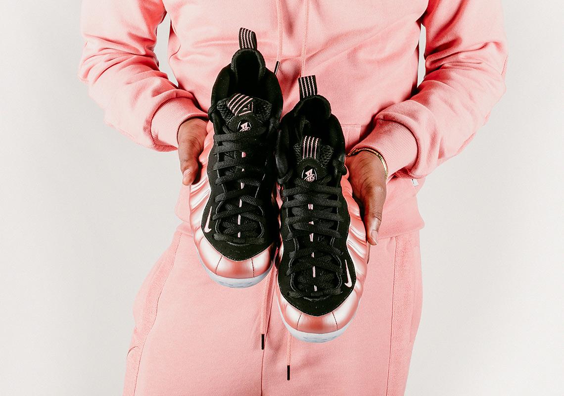 cheap for discount 2adfe fb338 Cette Foamposite sortira le 20 avril prochain au prix de 219,90 euros. 1996  air foamposite one Nike ...